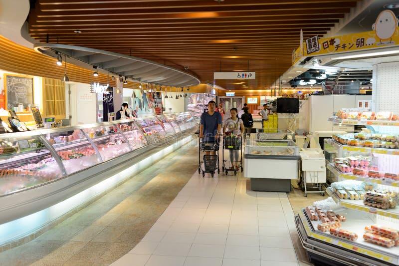 Inre av matsupermarket royaltyfri foto
