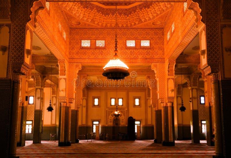 Inre av Niamey den storslagna moskén i Niamey, Niger royaltyfria foton