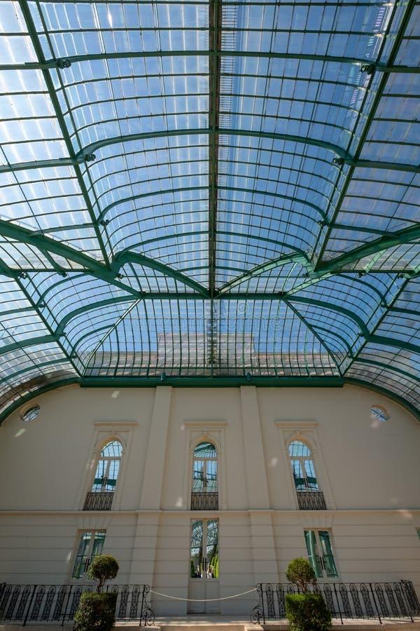 Inre av orangerit p? de kungliga v?xthusen p? Laeken, Bryssel, Belgien arkivfoton