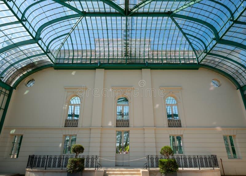 Inre av orangerit p? de kungliga v?xthusen p? Laeken, Bryssel, Belgien arkivbilder