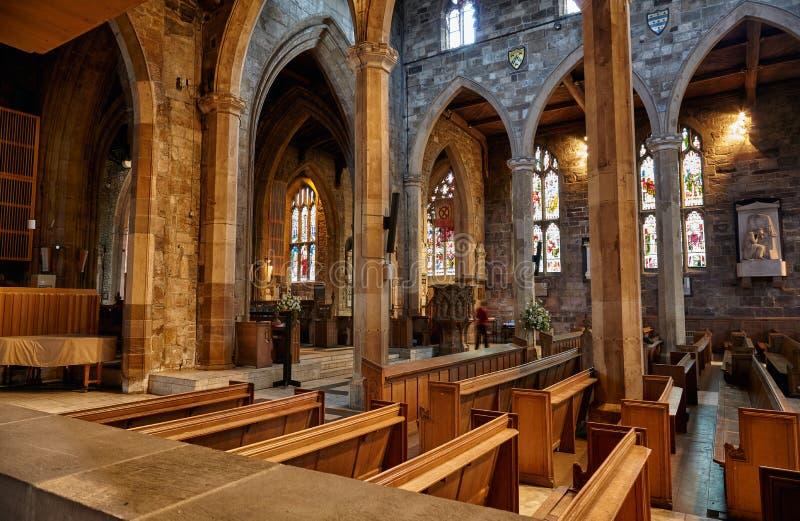 Inre av Sheffieldens Cathedrals skepp sheffield england royaltyfri foto