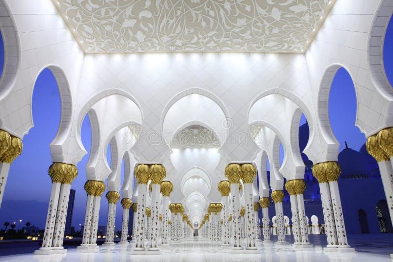 Inre av Sheikh Zayed Moské, Abu Dhabi royaltyfri foto