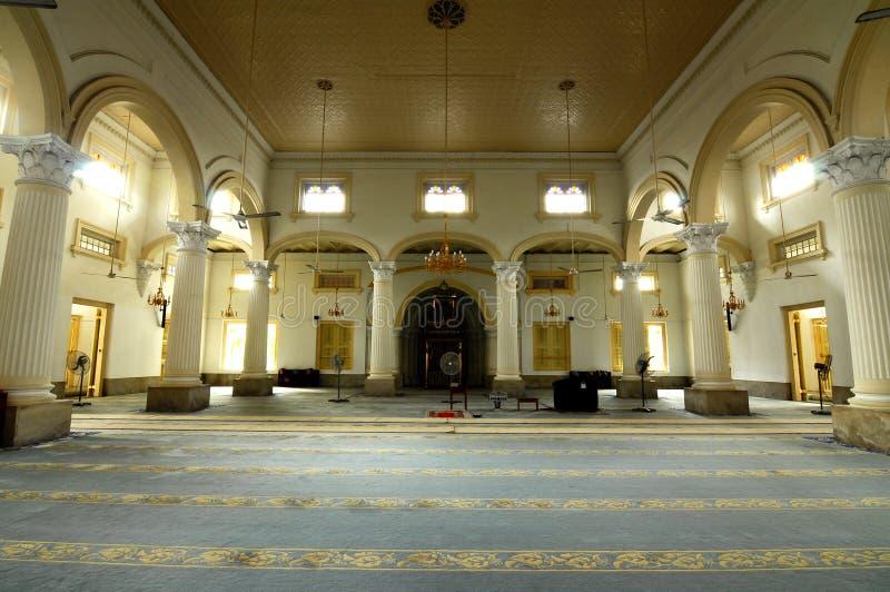Inre av Sultan Abu Bakar State Mosque i Johor Bharu, Malaysia royaltyfria foton