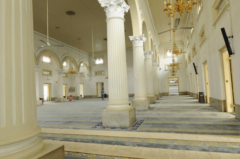 Inre av Sultan Abu Bakar State Mosque i Johor Bharu, Malaysia fotografering för bildbyråer