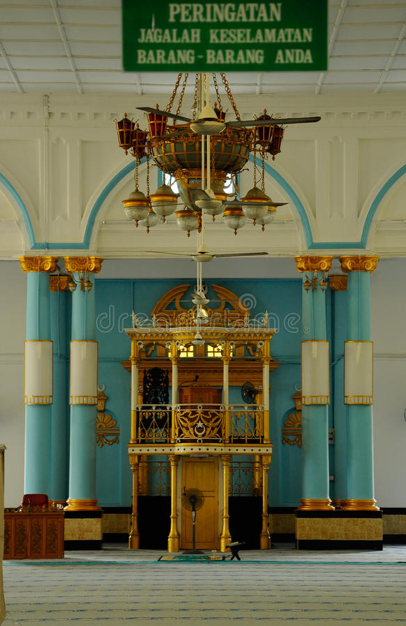 Inre av Sultan Ibrahim Jamek Mosque på Muar, Johor arkivbild