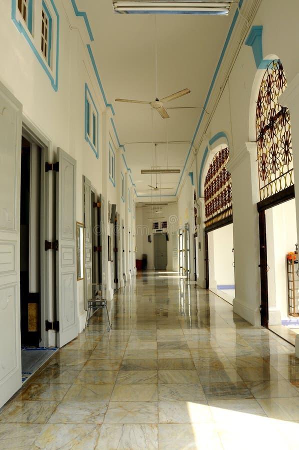Inre av Sultan Ibrahim Jamek Mosque på Muar, Johor arkivfoto