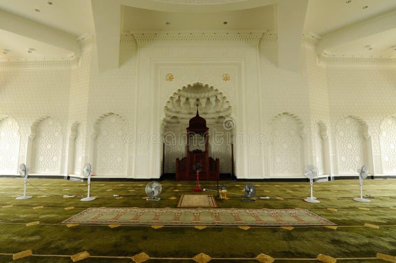 Inre av Sultan Ismail Airport Mosque - den Senai flygplatsen, Malaysia arkivfoto