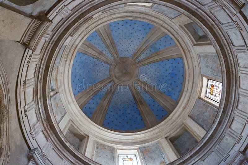 Inre av Tempietto byggde vid Donato Bramante, Rome, Italien royaltyfria foton