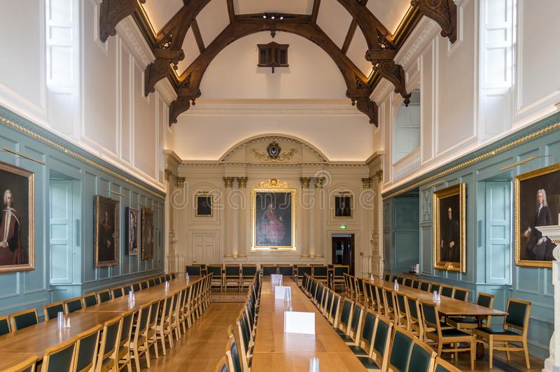 Inre av trinitycollaget, Cambridge, Förenade kungariket arkivbilder