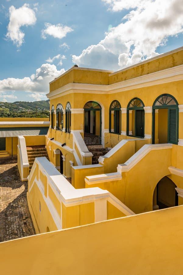 Inre borggård av fortet Christiansted i St Croix Virgin Isl royaltyfri foto