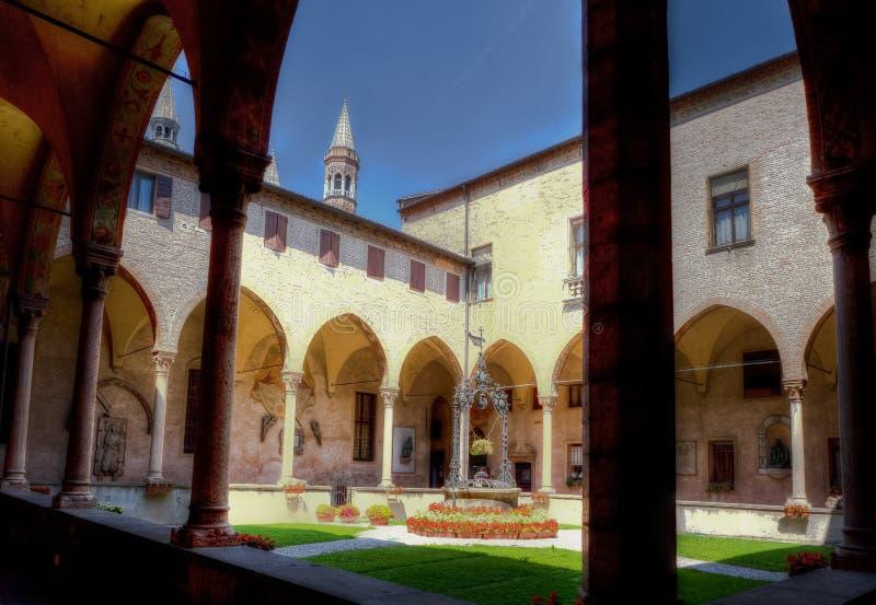 Inre borggårdSt Anthony kloster, Padua, Italien royaltyfri fotografi