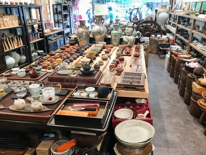 Inre butiken för crockery i Insadong i Seoul arkivfoton