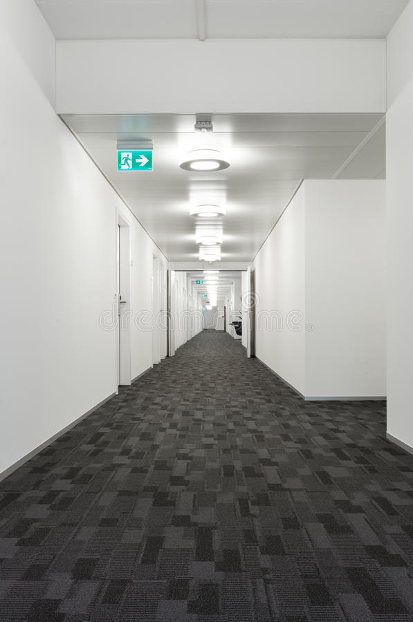 Inre byggnad, korridor arkivbilder