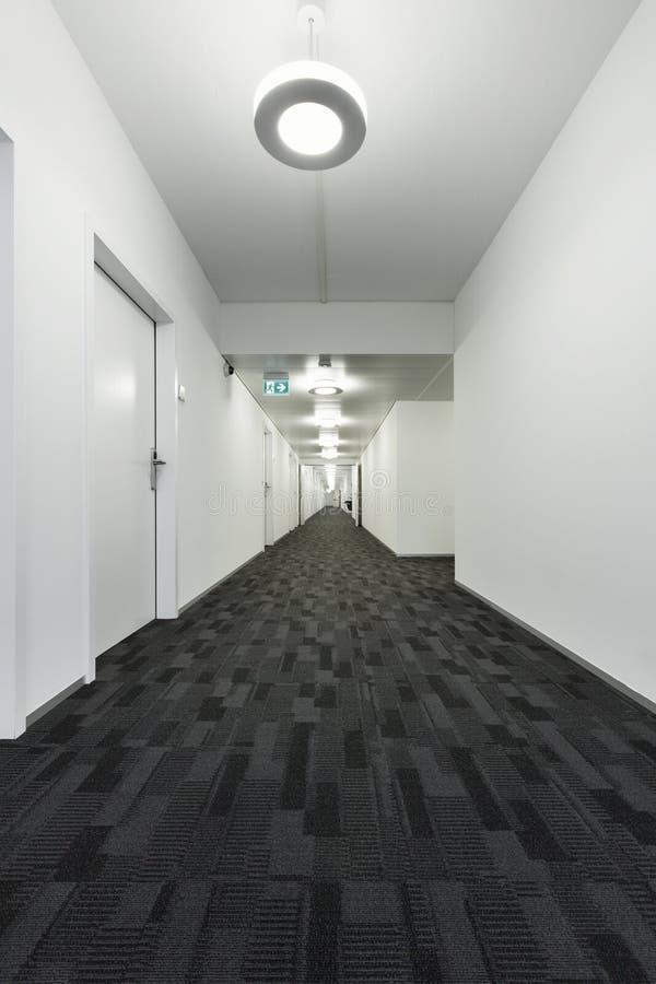 Inre byggnad, korridor arkivfoton