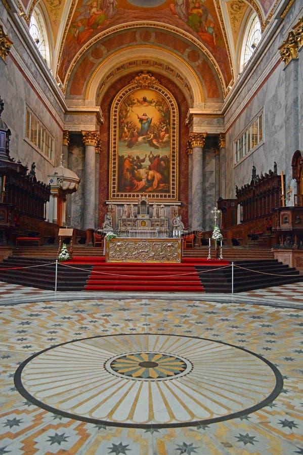 Inre 7 den Esztergom basilikan, Esztergom, Ungern arkivbild