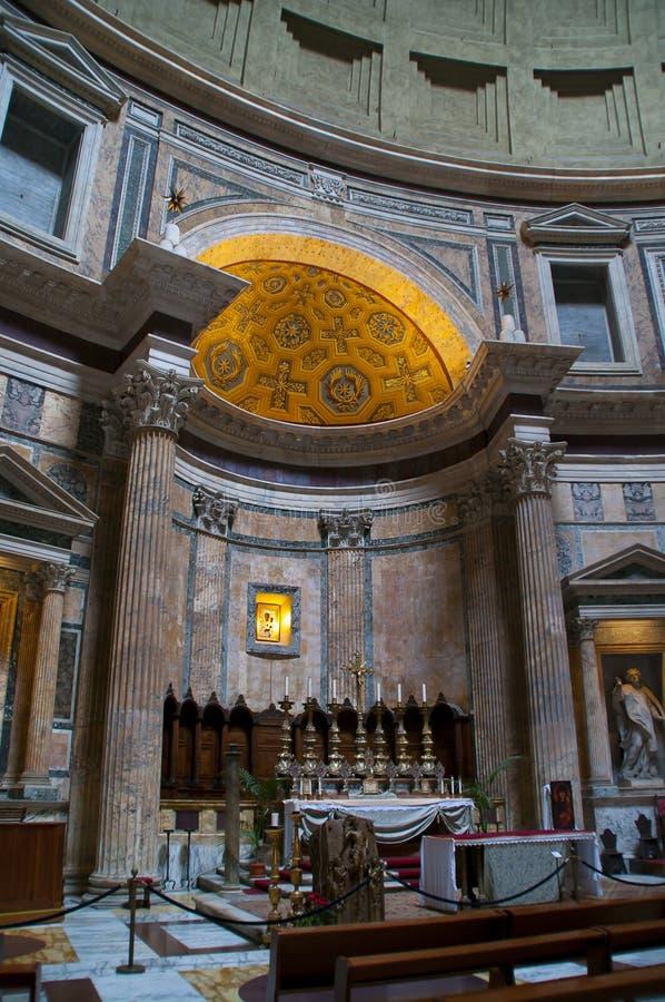 Inre detalj av panteon i Rome, Italien arkivbild