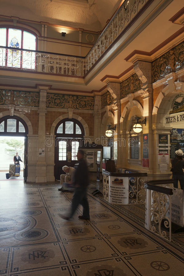 Inre Dunedin järnvägsstationrätsida royaltyfria bilder