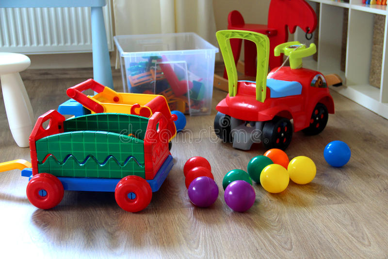 Inre för barnrum med leksaker arkivfoto