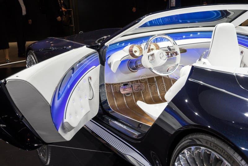 Inre för bil för visionMercedes-Maybach 6 Cabriolet arkivbild