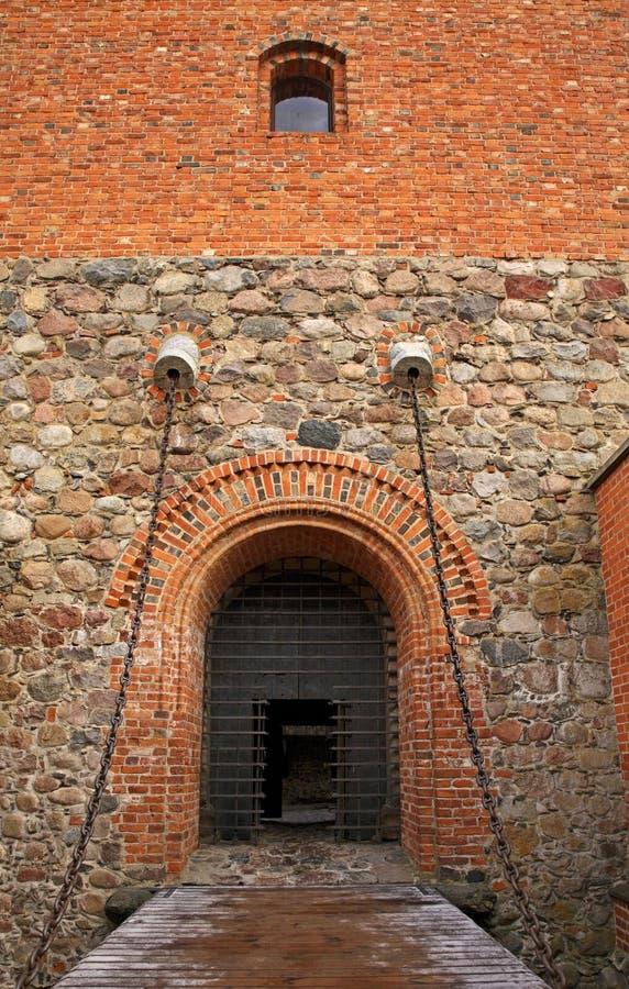 Inre gård av slotten i Trakai lithuania royaltyfri fotografi