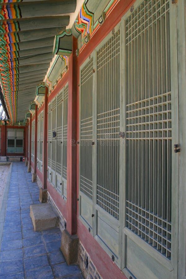 inre koreansk slott för korridor royaltyfri foto