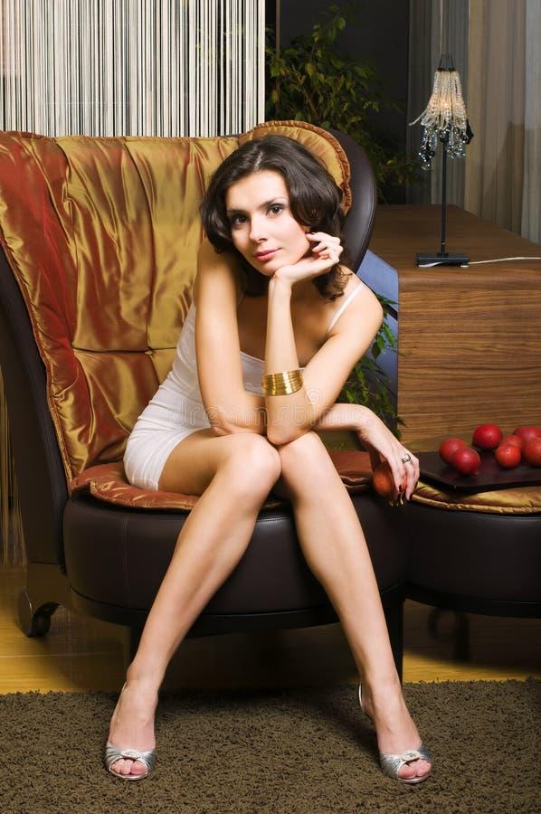 inre luxurioskvinna royaltyfri foto