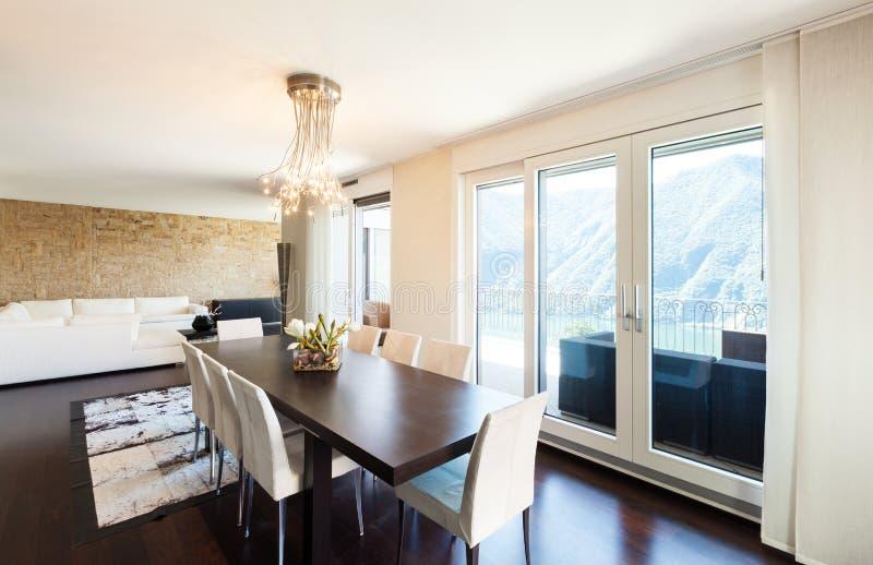 Inre lyxig lägenhet fotografering för bildbyråer