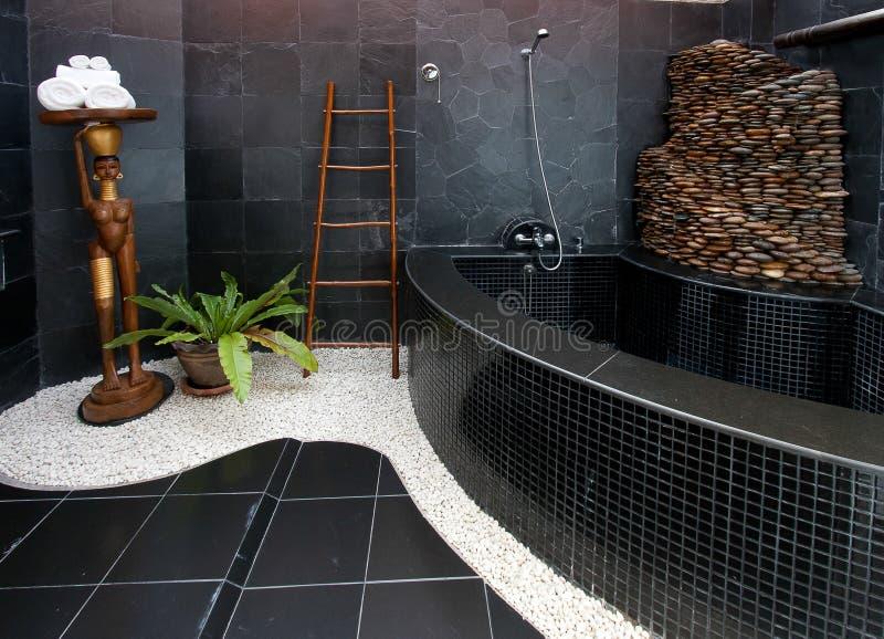 inre modernt för badrum royaltyfria bilder