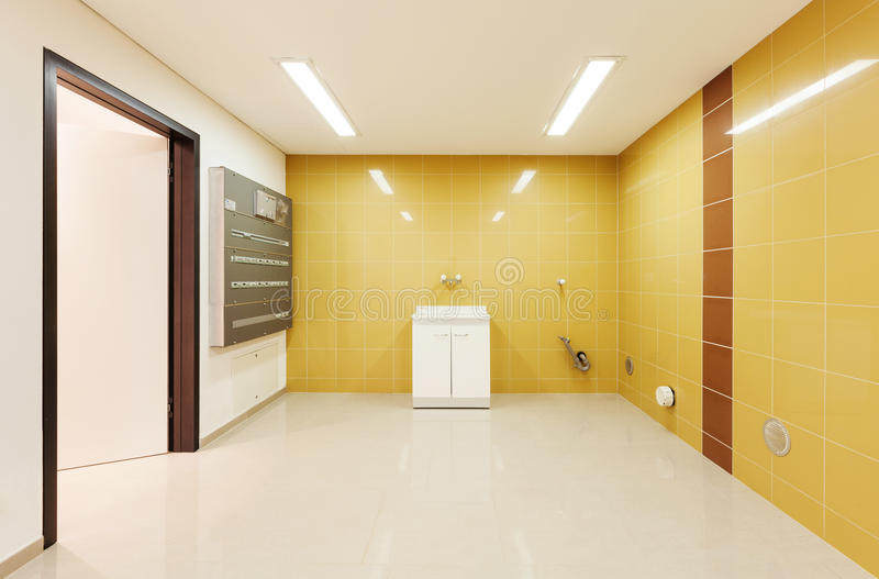 Inre modernt hus, tvätteri arkivfoton