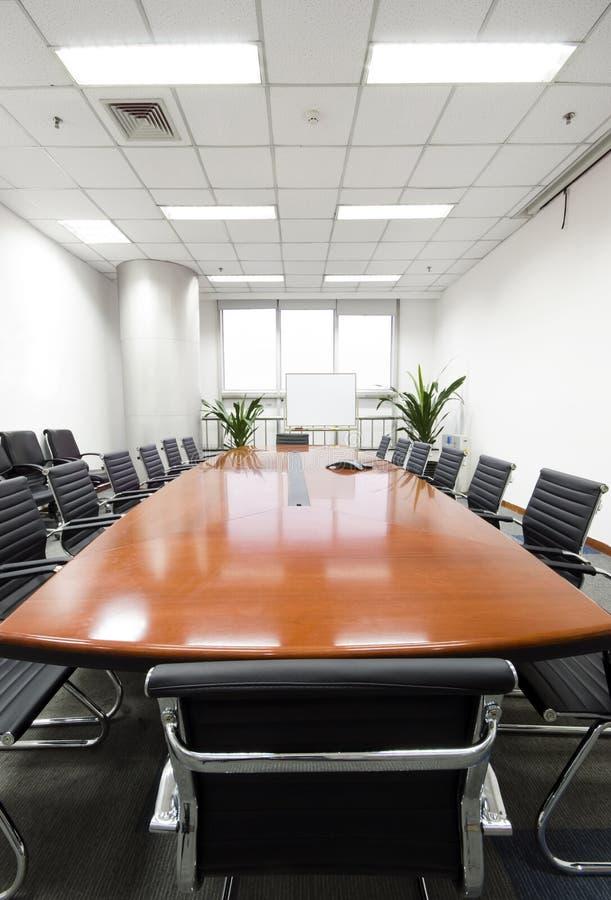 inre modernt kontor för styrelse arkivfoton