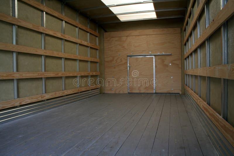 inre moving lastbil arkivbild