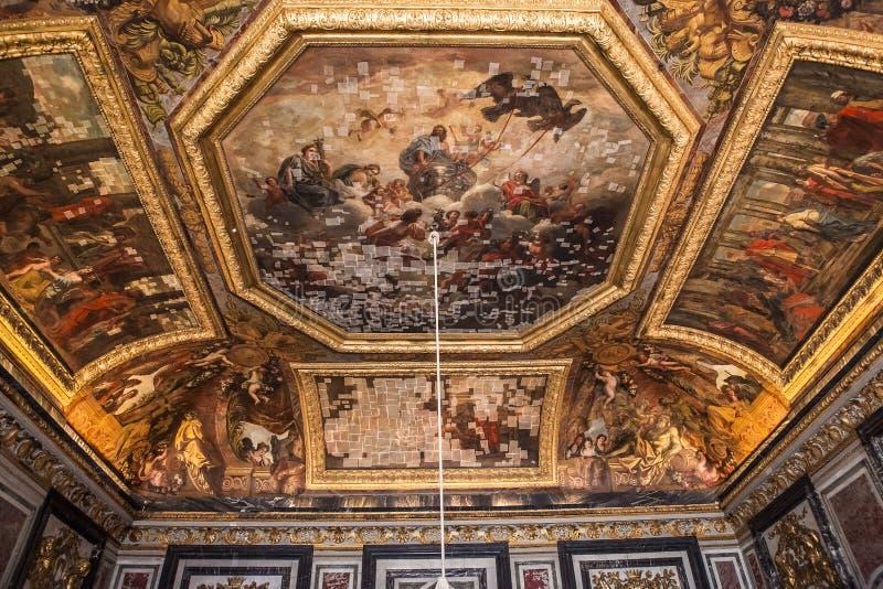 Inre och detaljer av chateauen de Versailles, Frankrike royaltyfri foto