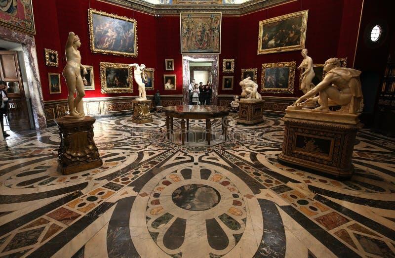 Inre och detaljer av Uffizien, Florence, Italien royaltyfri bild