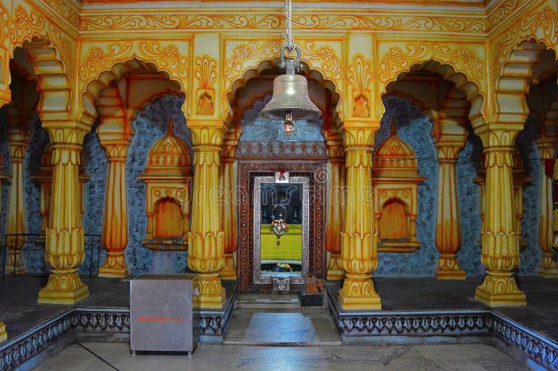 Inre pelare av Shri Wagheshwar Shiva Temple, Wagholi, Pune, Maharashtra royaltyfria bilder