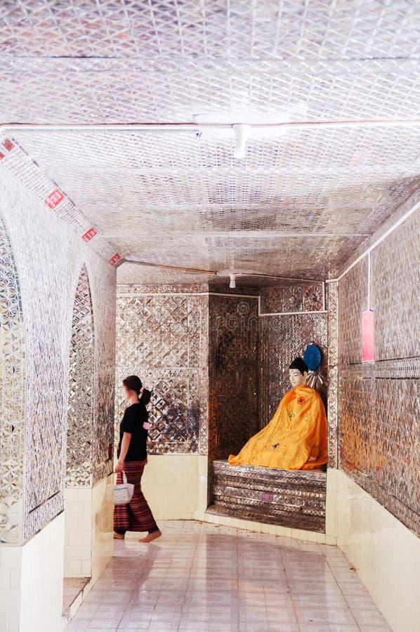 Inre Pyi Daw Aye Pagoda - KAwthuang Myanmar royaltyfri bild