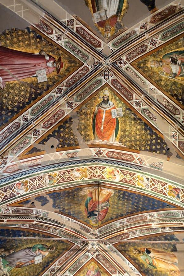 Inre sikt av basilikan De Sante Croce royaltyfri bild