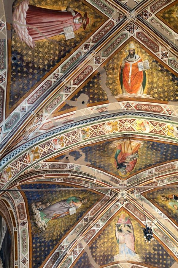 Inre sikt av basilikan De Sante Croce fotografering för bildbyråer