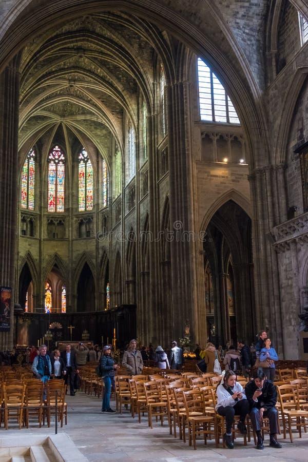 Inre sikt av Cathedrale Helgon-Andre i Bordeaux, Aquitaine, Frankrike royaltyfria bilder