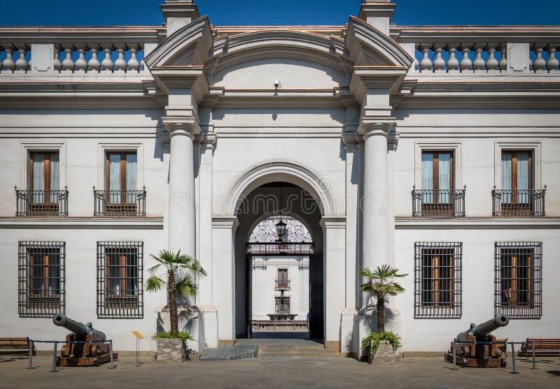 Inre sikt av den LaMoneda presidentpalatset - Santiago - Chile royaltyfri foto