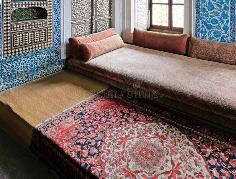 Inre sikt av den Topkapi slotten och museet i Istanbul royaltyfria bilder