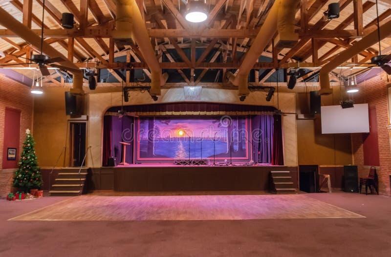 Inre sikt av musikstaden Texas Theater i linden, TX royaltyfri foto