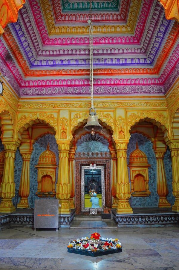 Inre sikt av Shri Wagheshwar Shiva Temple, Wagholi, Pune, Maharashtra royaltyfria bilder