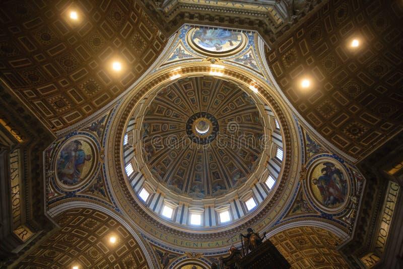 Inre sikt för St Peter basilika, Rome, Vatican City royaltyfri bild