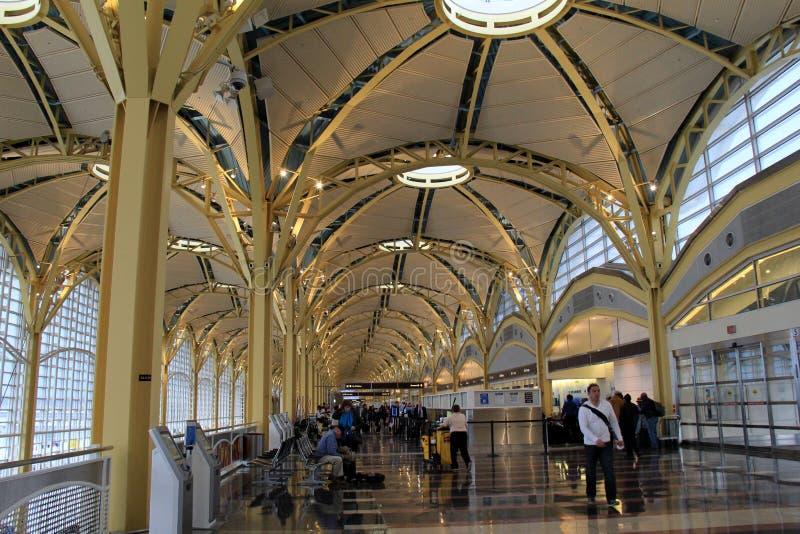 Inre sköt av ursnygg arkitektur, Ronald Reagan Washington National Airport, Virginia, 2015 arkivbilder
