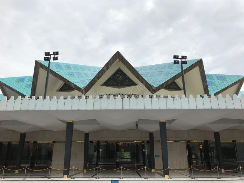 Inre skott av den nationella moskén av Malaysiaï ¼ Œis en moské i Kuala Lumpur, Malaysia arkivfoton