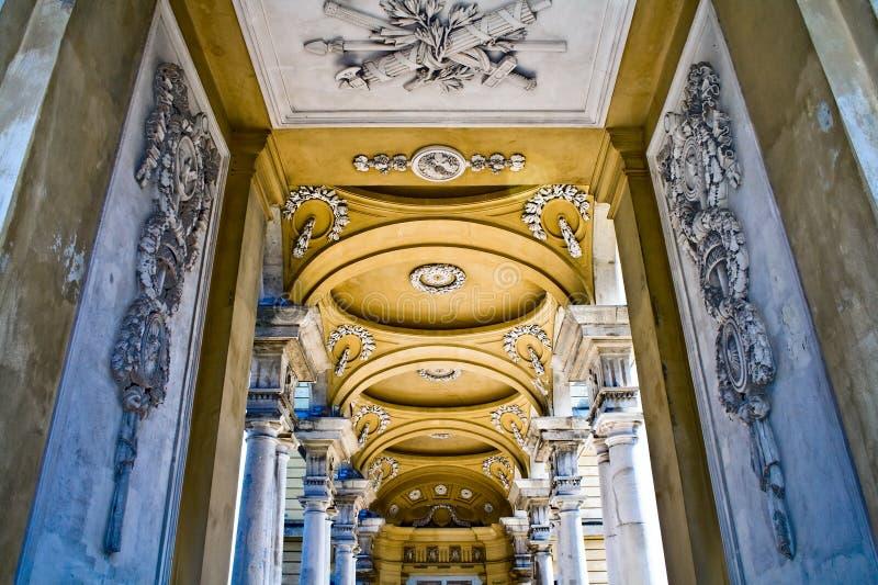 inre slottschonbrunn för gloriette royaltyfri foto