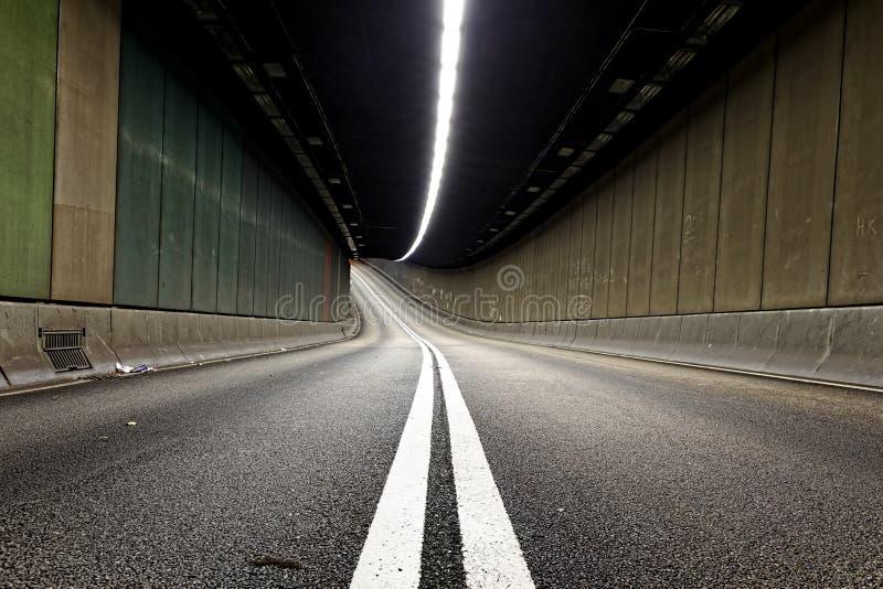 inre stads- trafiktunnel royaltyfri fotografi
