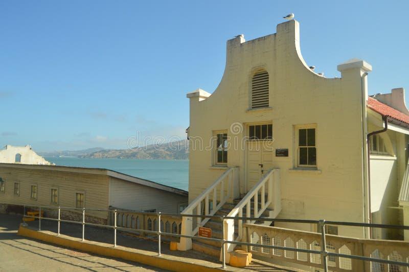 Inre 30-talbyggnader inom den Alcatraz arresten i San Francisco Loppet semestrar Arquitecture royaltyfria foton