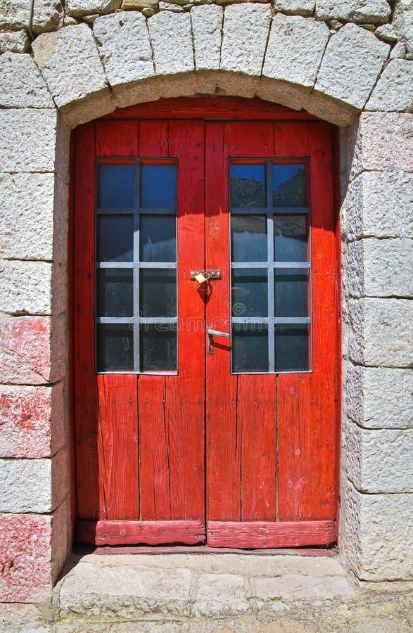 inre trä för dörr Pietragalla Basilicata italy arkivfoto