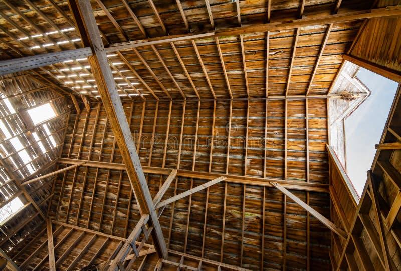 inre trä för ladugård fotografering för bildbyråer